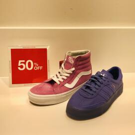 50%OFF☆【VANS,adidas】スニーカー入荷!