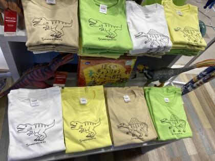 オリジナル恐竜Tシャツ🦖
